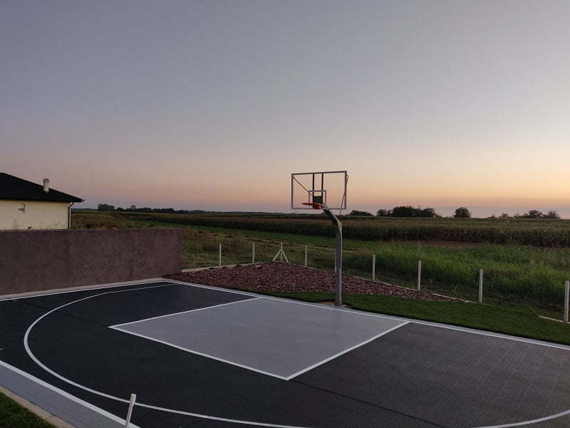 Konzolna košarkaška konstrukcija